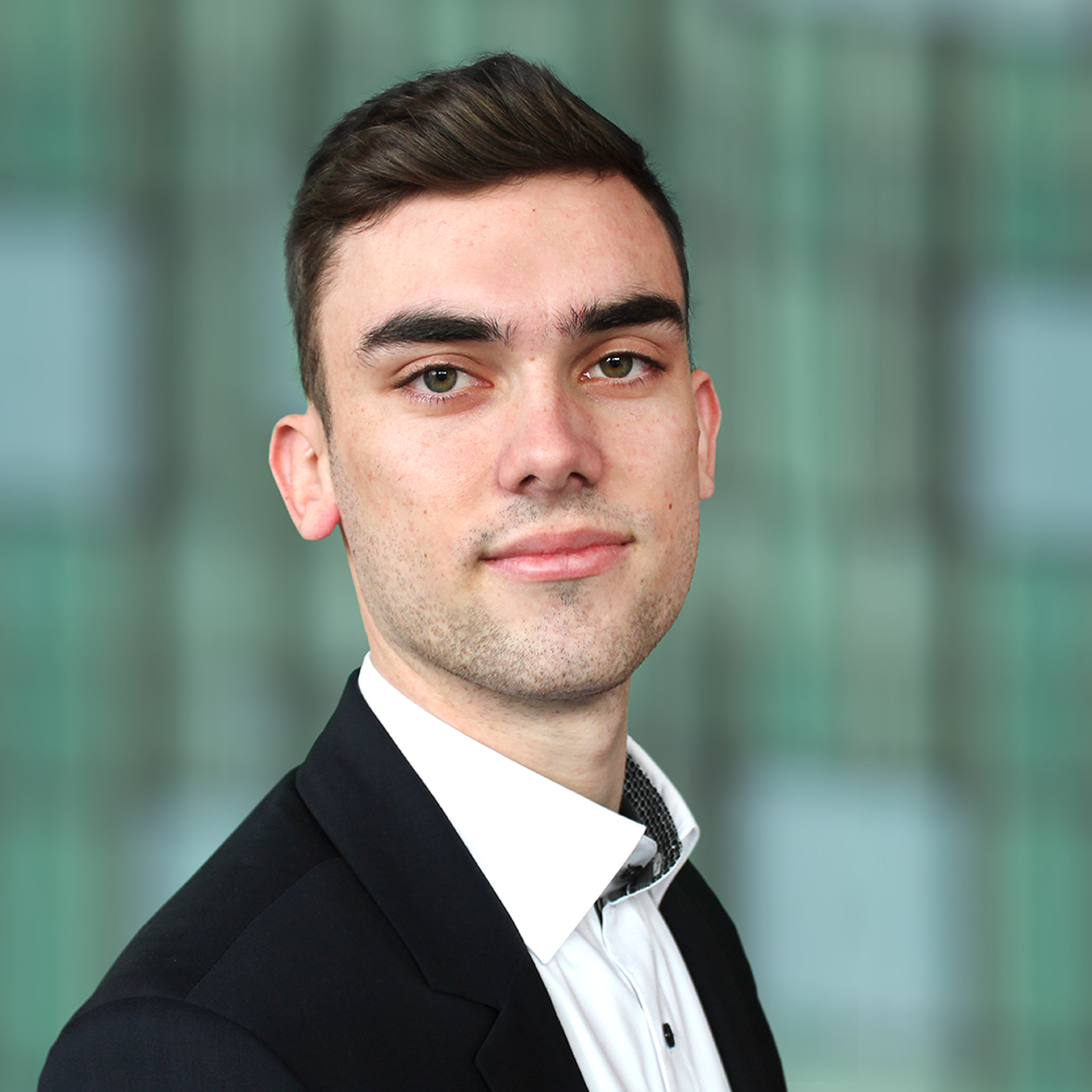 DAVY BRUURMIJN - FINANCIAL CONTROLLER
